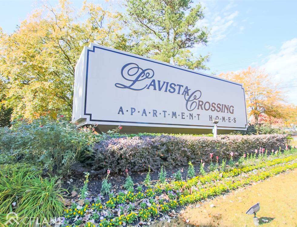 Lavista Crossing Apartments